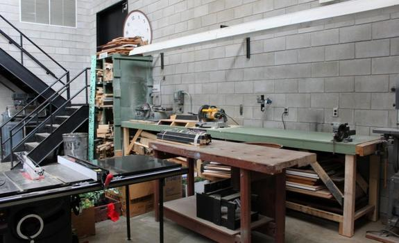 A work bench in a utilitarian room